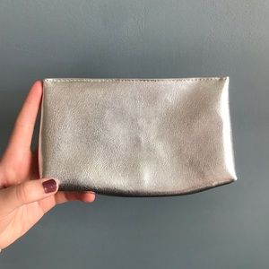 Estee Lauder | Silver Makeup Bag